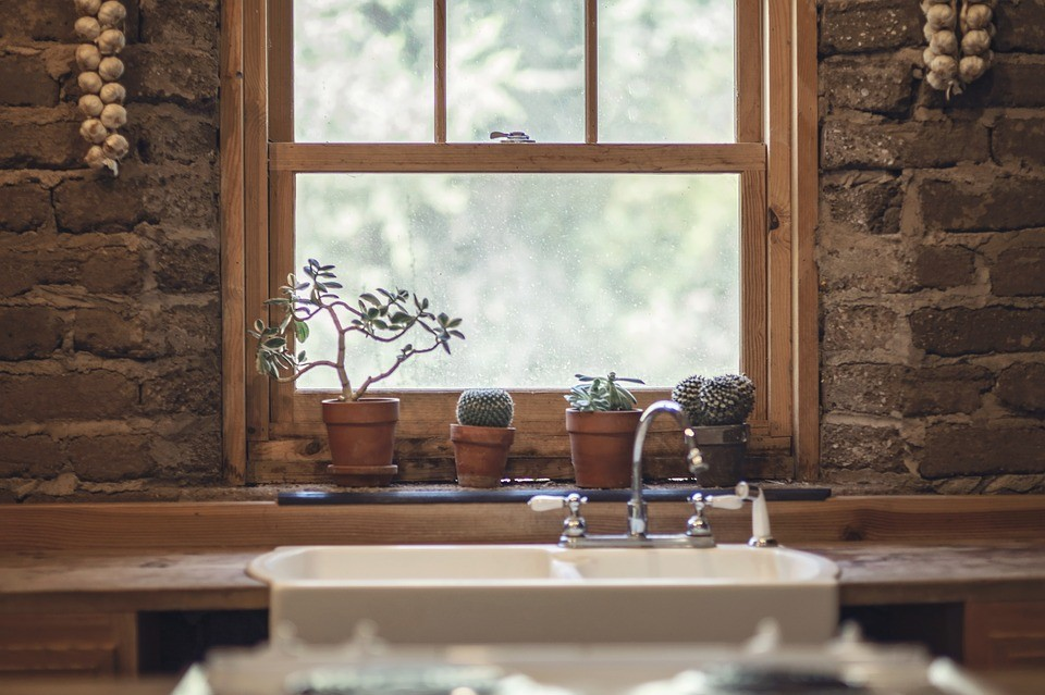 Wszystkie nowe Okno w kuchni - jak je udekorować? OI58